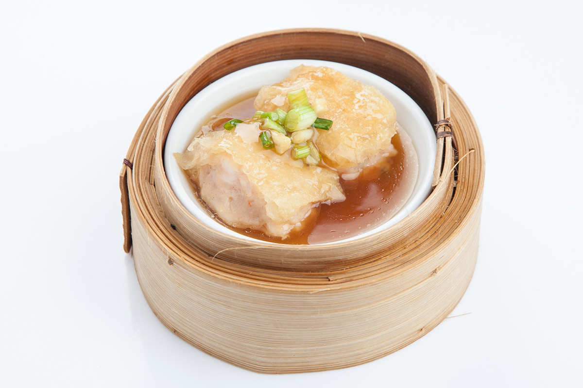 Steamed Fish Maw Dumplings with Brown Sauce: 70 Baht